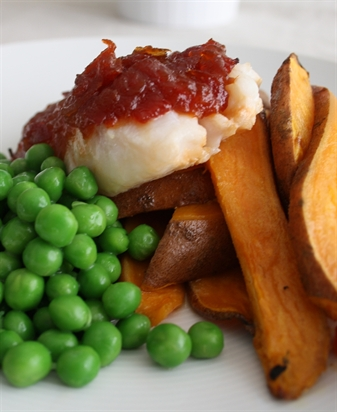 Chilli & Red Pepper Topped Cod with Peas & Sweet Potato Wedges